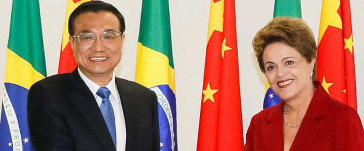 Brasil e China assinam memorando internacional que beneficia atletas do badminton